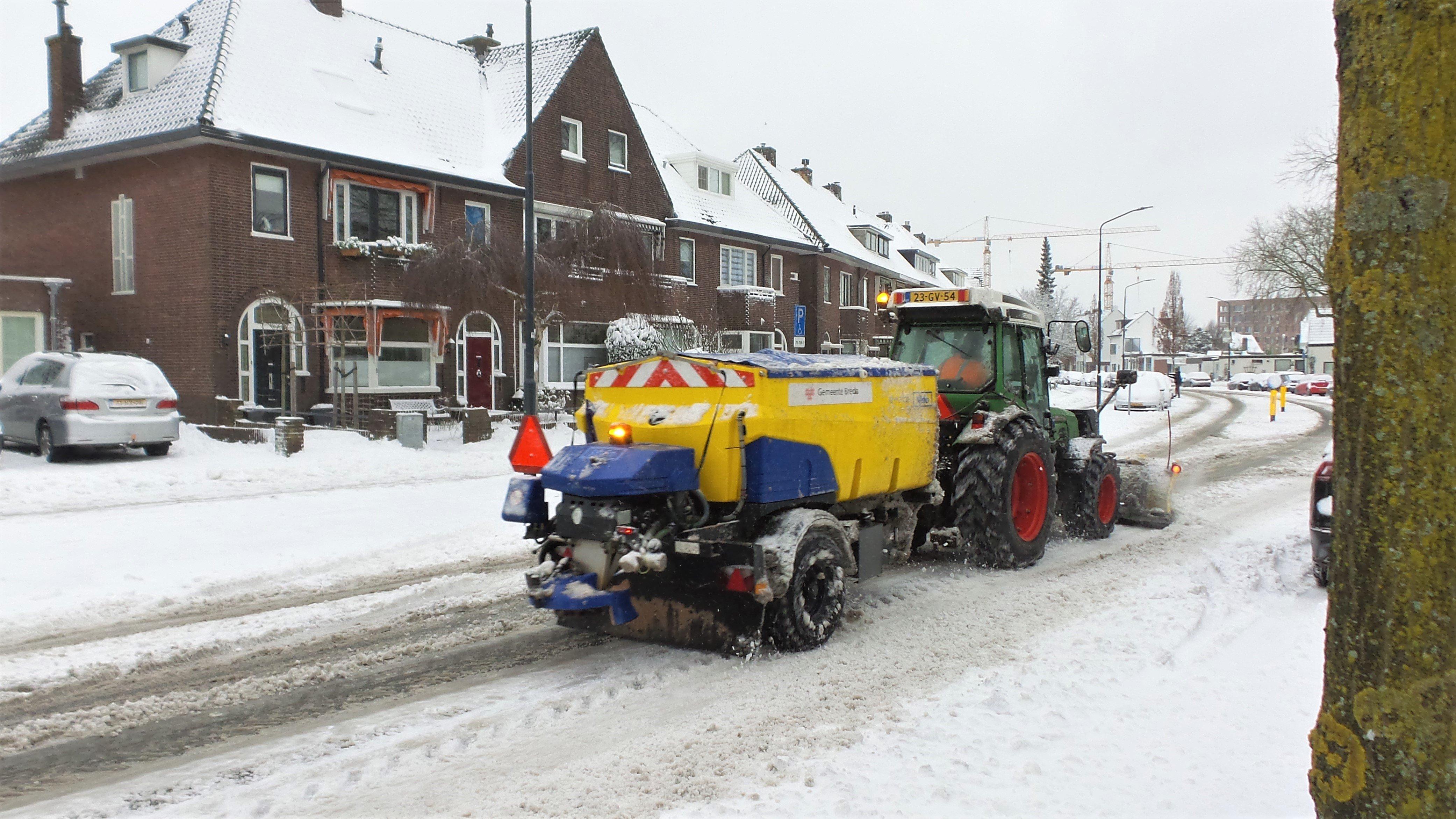 Henk Voermans strooien in Breda